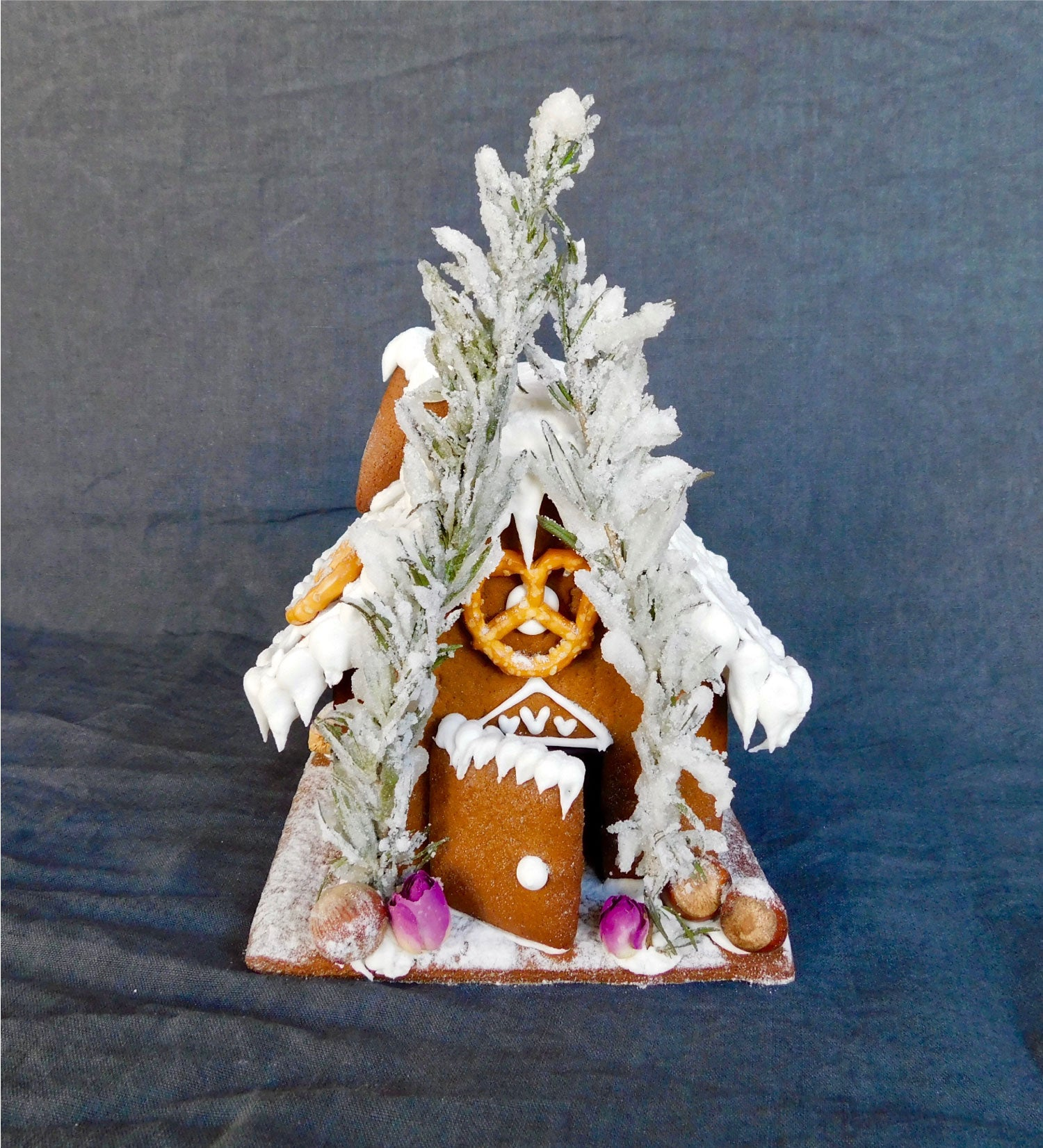 Austro Bakery Gingerbread House Large
