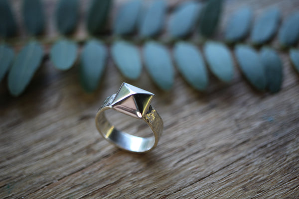 Wild Things Hammer Stud ring