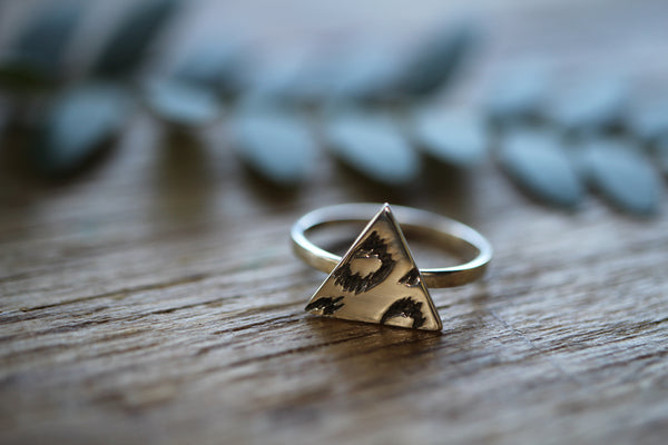 Wild Things Triangle ring