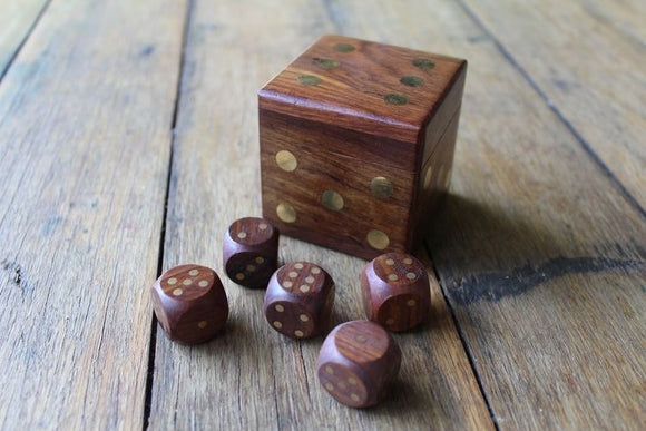 Set of 5 Dice in a Box