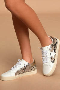 Madden Girl Lannks Sneakers