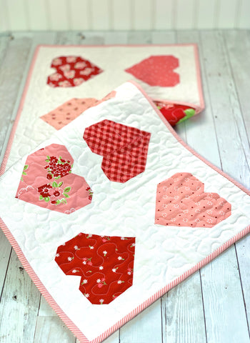Valentine Hearts Runner Kit