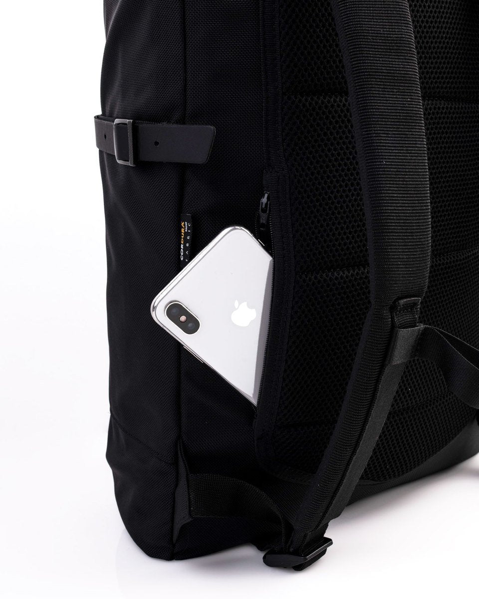 Alldaypack - The miminalistic everyday laptop backpack - iPhone in the back secret pocket