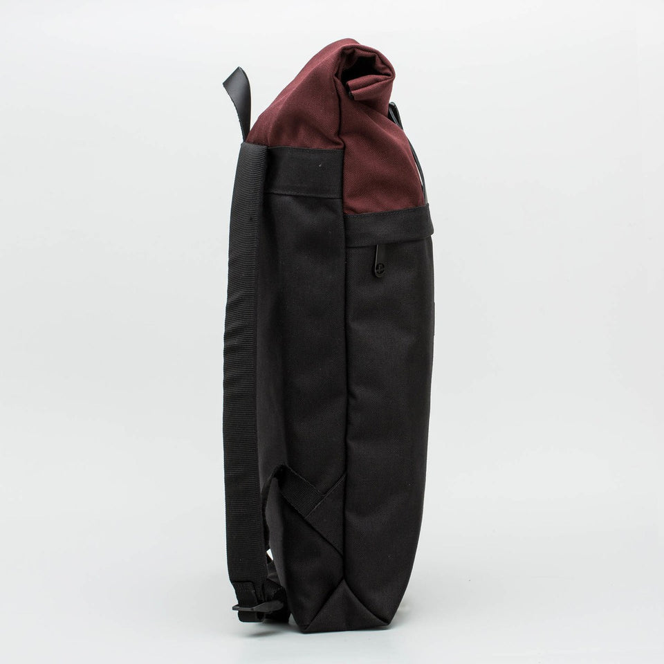 Fugacargo - Folder sack bordeaux lightweight commuter laptop backpack side view