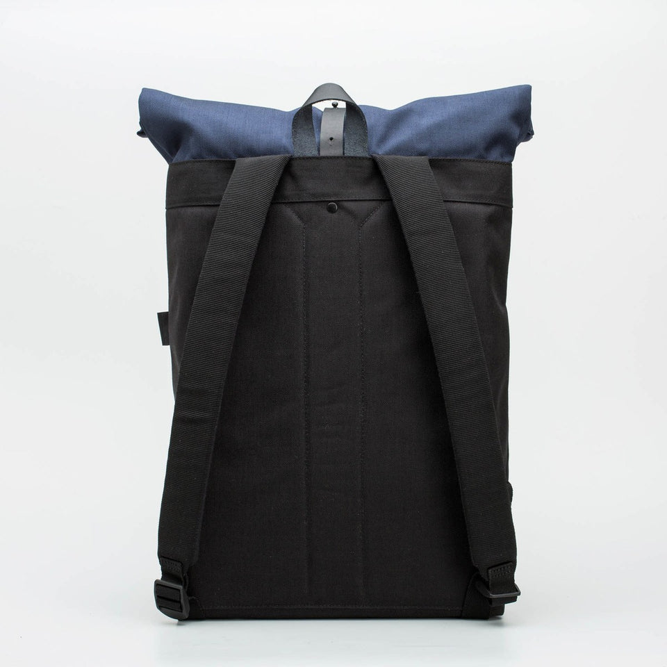 Fugacargo - Folder sack blue lightweight commuter laptop backpack back view