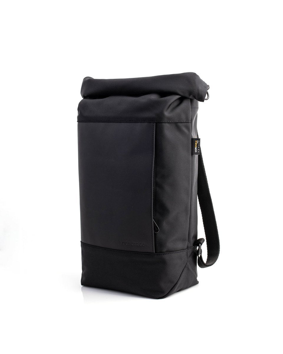 Fugacargo - Lean bag black versatile laptop backpack shoulder bag three quarters front view