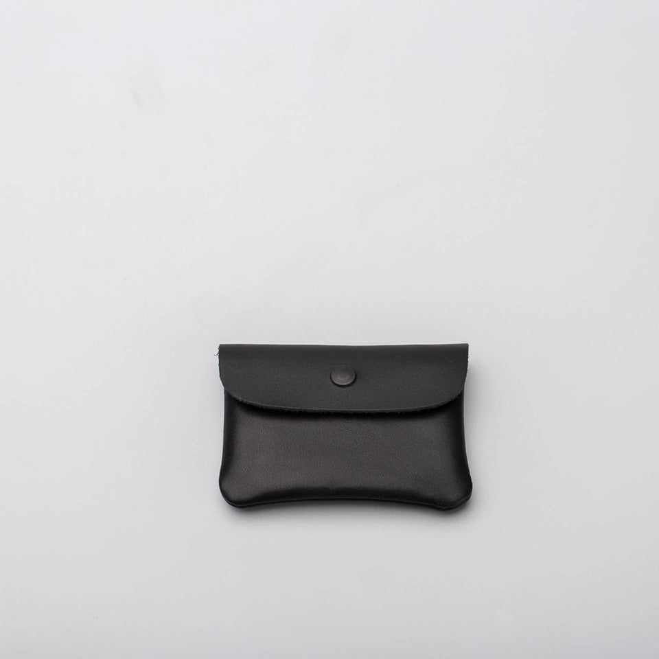 Fugacargo - Mini wallet black minimalist smooth leather wallet back view