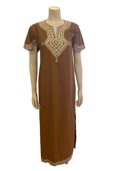 Front view of a mannequin in a brown short sleeve kaftan with white embroidery