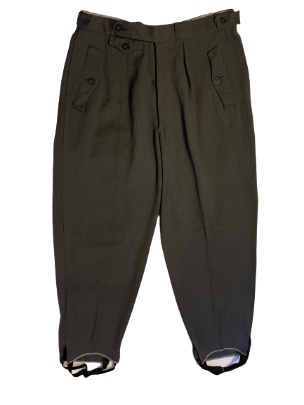 Front view of 1940s grey men's ski pants
