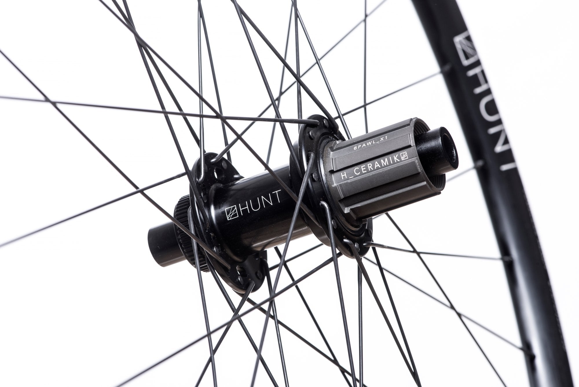 <html><h1>Freehub Body</h1><i>Durability is a theme for HUNT as time and money you spend fixing is time and money you cannot spend riding or upgrading your bikes. As a result, we've developed the <em>H_CERAMIK</em> coating to provide excellent durability and protect against cassette sprocket damage often seen on standard alloy freehub bodies.</i></html>