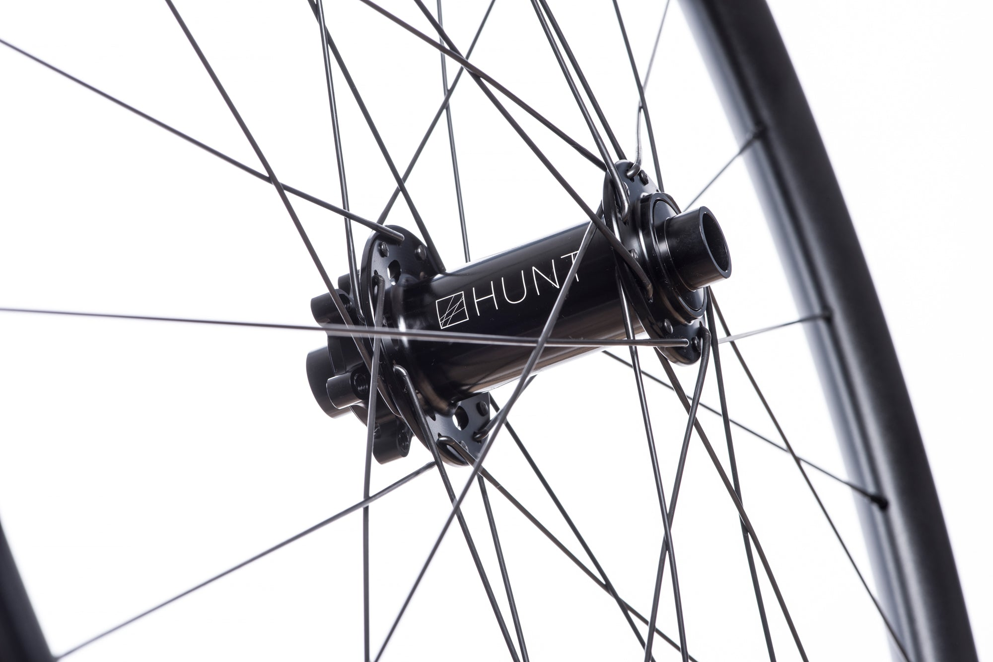 <h1>Front Hub</h1><i>Suited to match the needs of the modern trail bike rider. Featuring durable bearings and 7075-T6 series alloy axles to increase stiffness. These hubs have been selected based on their ability to perform on the most aggressive trails.</i>