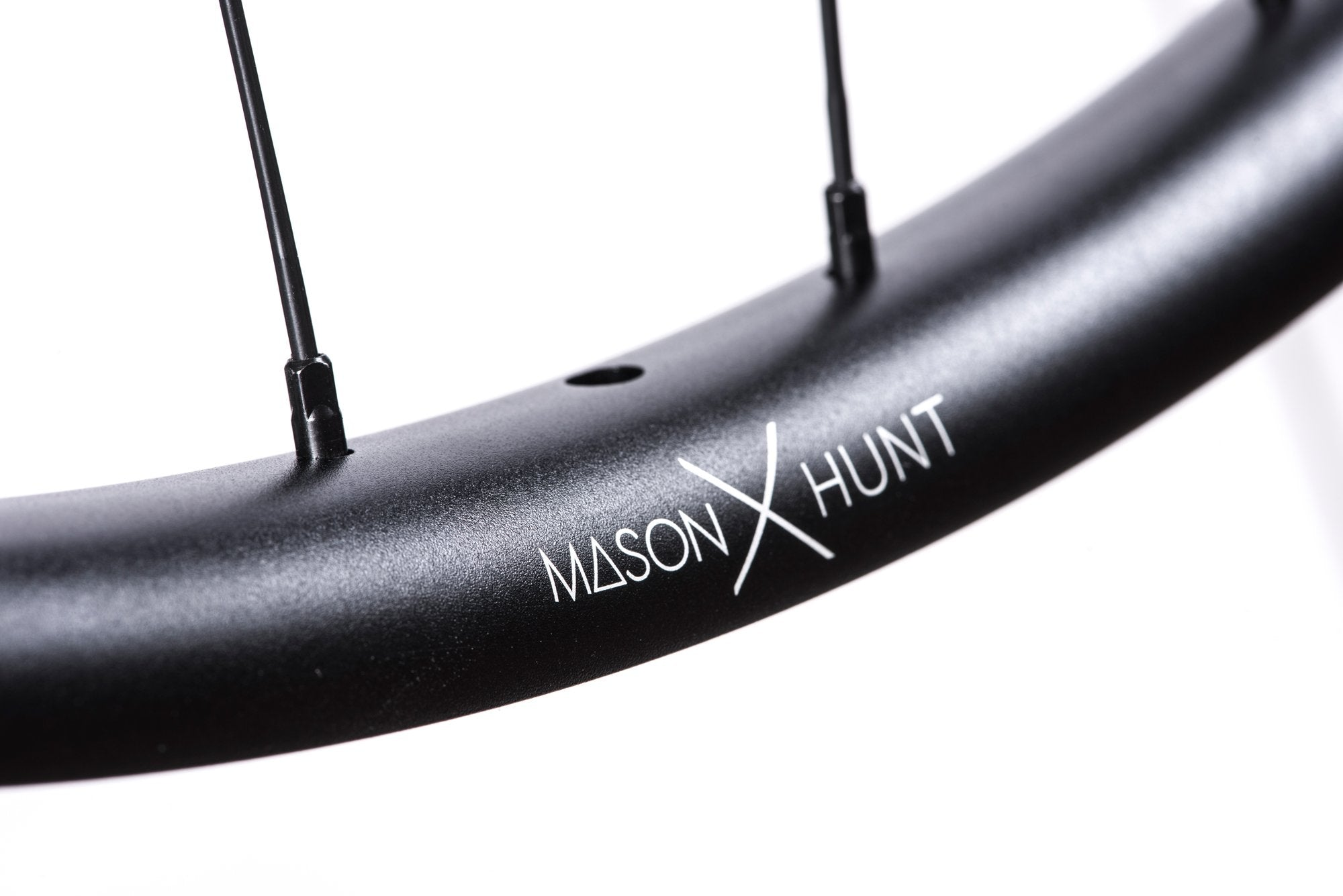 <html><h1>Nipples</h1><i>We have chosen top of the line, triple butted Pillar Spokes with increased reinforcement at the spoke head. Not only are these spokes extremely lightweight, they are also able to provide a greater degree of elasticity when put under increased stress. The Pillar Spoke Reinforcement (PSR) puts more material at the spoke head, just before the J-Bend to prevent failure in this stress area.</i></html>