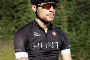 <h1>Squadra Jersey</h1><i>Full-length lightweight front zipper</i>