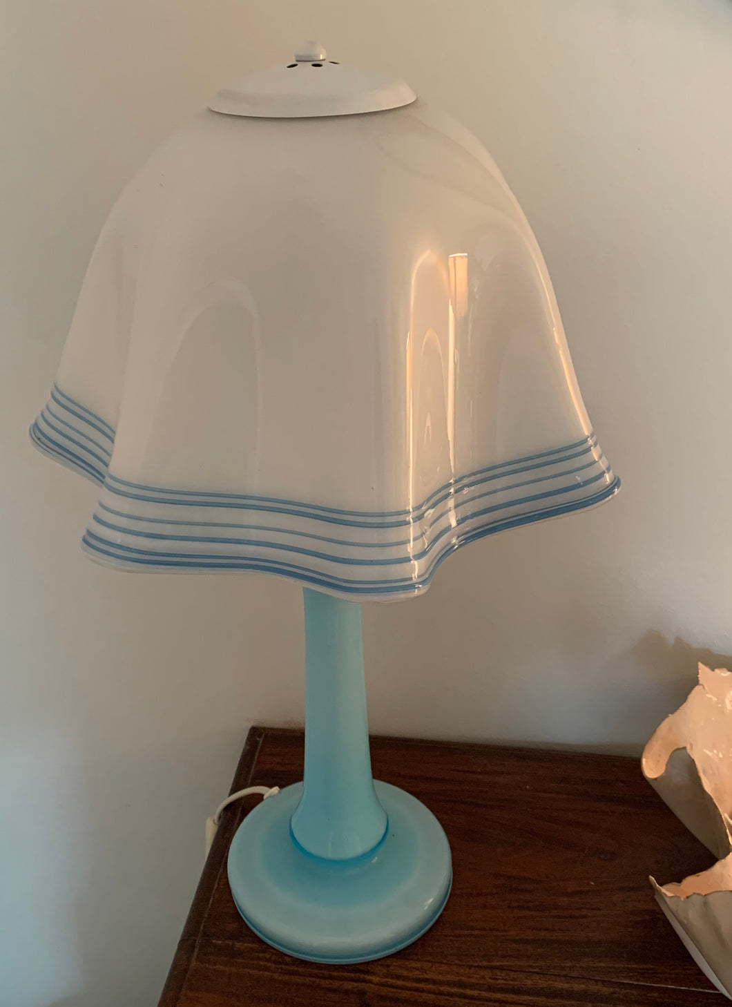 Vintage Mid-Century Milk Glass Handkerchief Lamp with Blue Glass detail