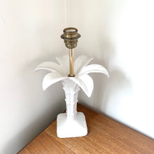 Load image into Gallery viewer, 1960's Palm Tree Ceramic Lamp