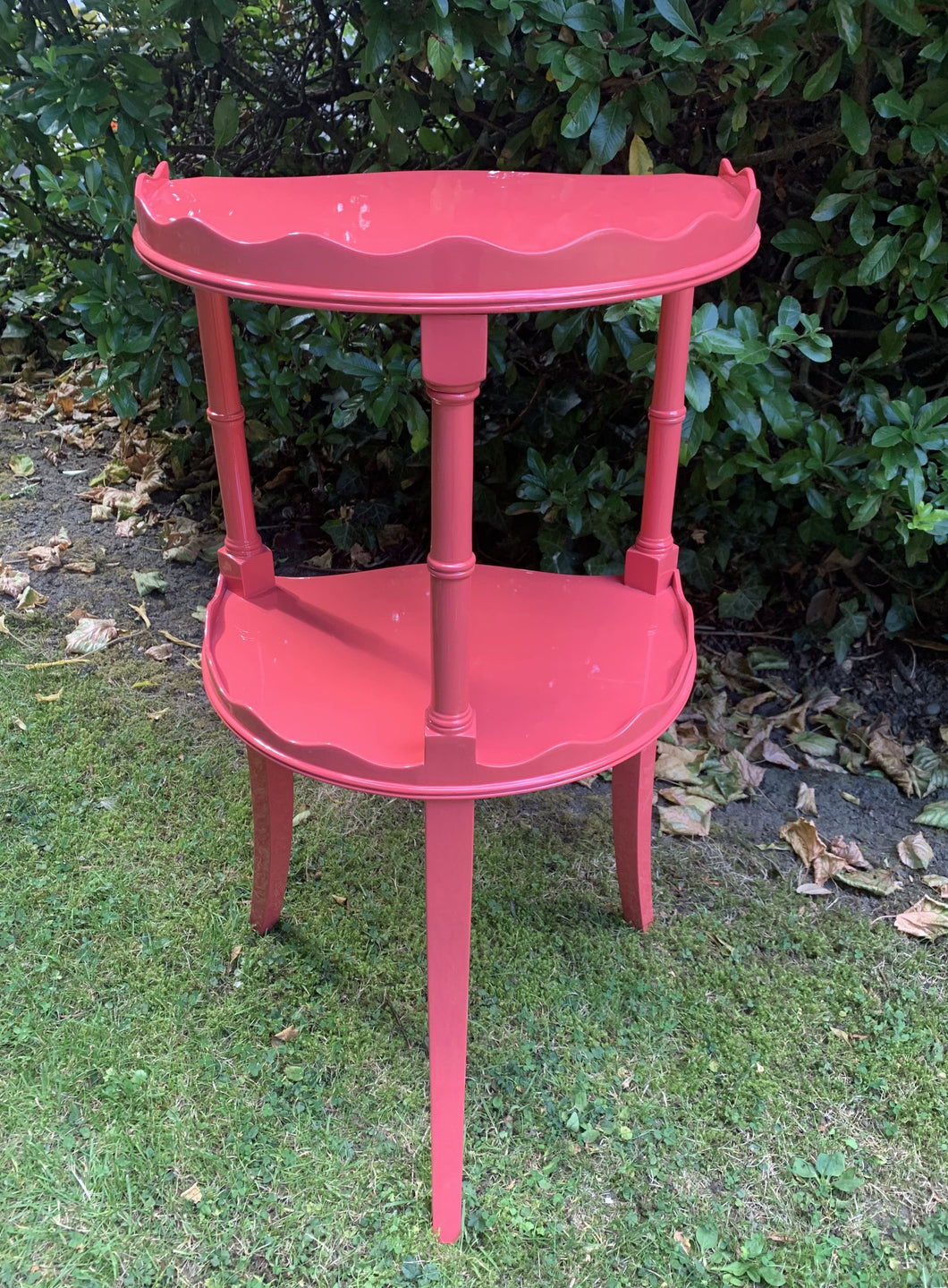 Small Two-Tiered Scalloped Lacquered Occasional Table