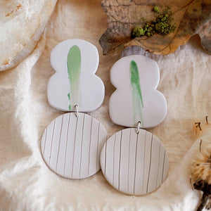 Fig. 8 and Dot Earrings // Wasabi Smear