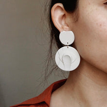 Load image into Gallery viewer, Vada Earrings // Eye Smear in Cobalt