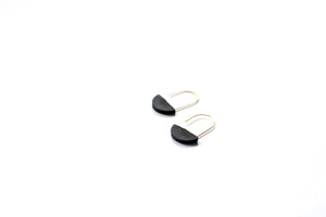 HALF-MOON HOOP EARRINGS - BLACK