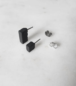 CONCRETE BLOCK - MISMATCH STUDS - BLACK