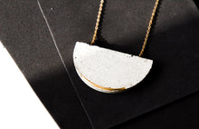 Load image into Gallery viewer, HALF MOON NECKLACE EMBEDED EDGE