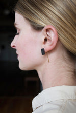 Load image into Gallery viewer, REVERSIBLE BLOCK EAR THREADER - BLACK