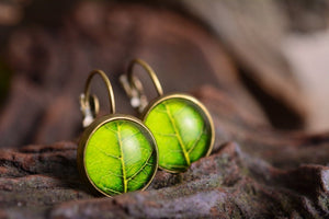 Tree leaf earrings, green dangle earrings, antique brass earrings, green earrings, glass dome earrings, antique bronze / silver plated
