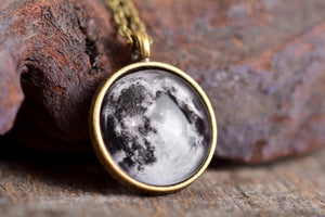 Moon necklace, full moon jewelry, moon jewelry, galaxy necklace, space necklace, full moon, birthday gift for her, girlfriend gift