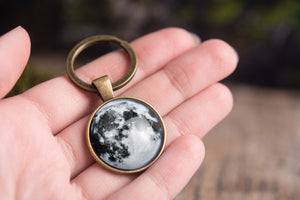 Custom moon phase key chain, custom birth moon, personalized key chain, personalized jewelry, personalized gift, custom keychain