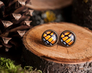 Tiny monarch butterfly wing earrings, autumn earrings, autumn jewelry, monarch butterfly stud earrings,post earrings, stud earrings