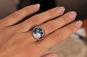 Full moon ring, statement jewelry, adjustable ring, statement ring, moon jewelry, birthday gift for her, Christmas gift for women, full moon