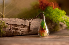 Load image into Gallery viewer, Gift for women, moss necklace, nature necklace, terrarium necklace, moss jewelry, nature jewelry, gift for daughter, gift for mom, mum gift