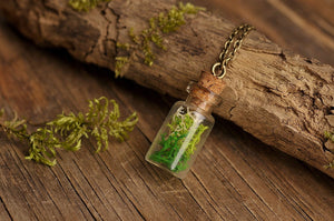 Fairy forest necklace, bridesmaid gift, terrarium jewelry, real moss necklace, nature necklace, green necklace, gift for bridesmaid