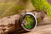 Load image into Gallery viewer, Moss necklace, birthday gift for her, gift for women, terrarium necklace, nature necklace, silver plated necklace, green jewelry