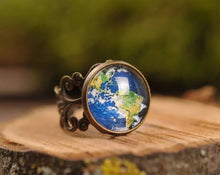 Load image into Gallery viewer, Filigree planet Earth ring, adjustable ring, statement ring, antique brass ring, glass dome ring, antique bronze ring, jewelry gift for her