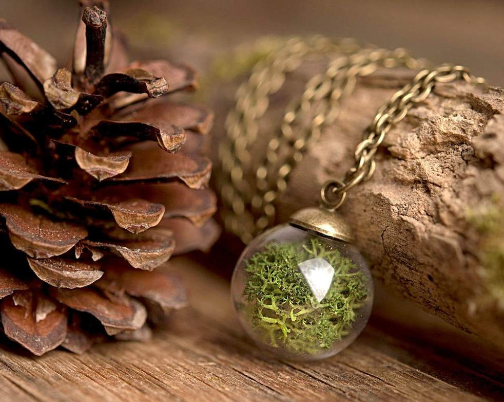 Real moss necklace, terrarium necklace, nature necklace, green necklace, tiny necklace, moss pendant, antique brass necklace, glass necklace