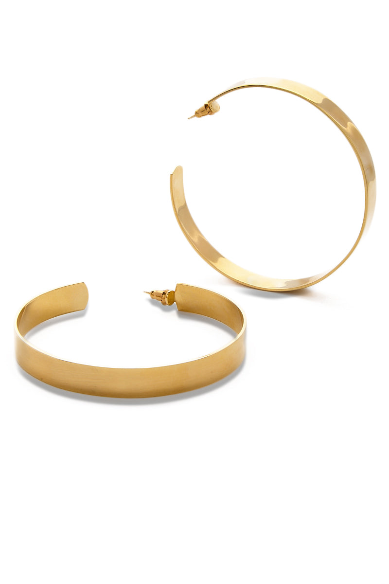 EKLEXIC Gold Large Flat Hoops Jewelry | Yellow Gold| Eklexic Gold Large Flat Hoops Angled View