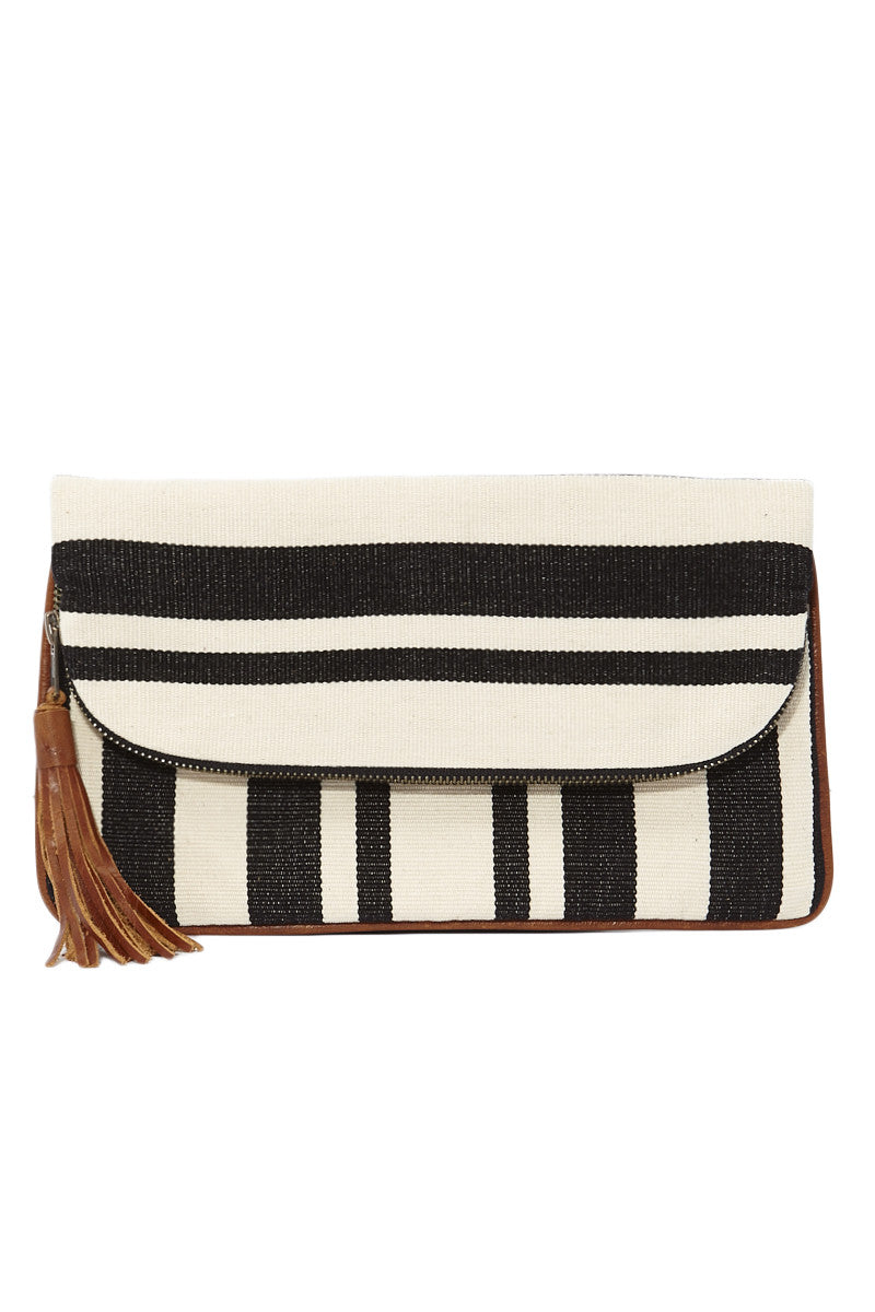 Mercado Global Paulina Clutch Tote | Natural/Black| Mercado Global Paulina Clutch
