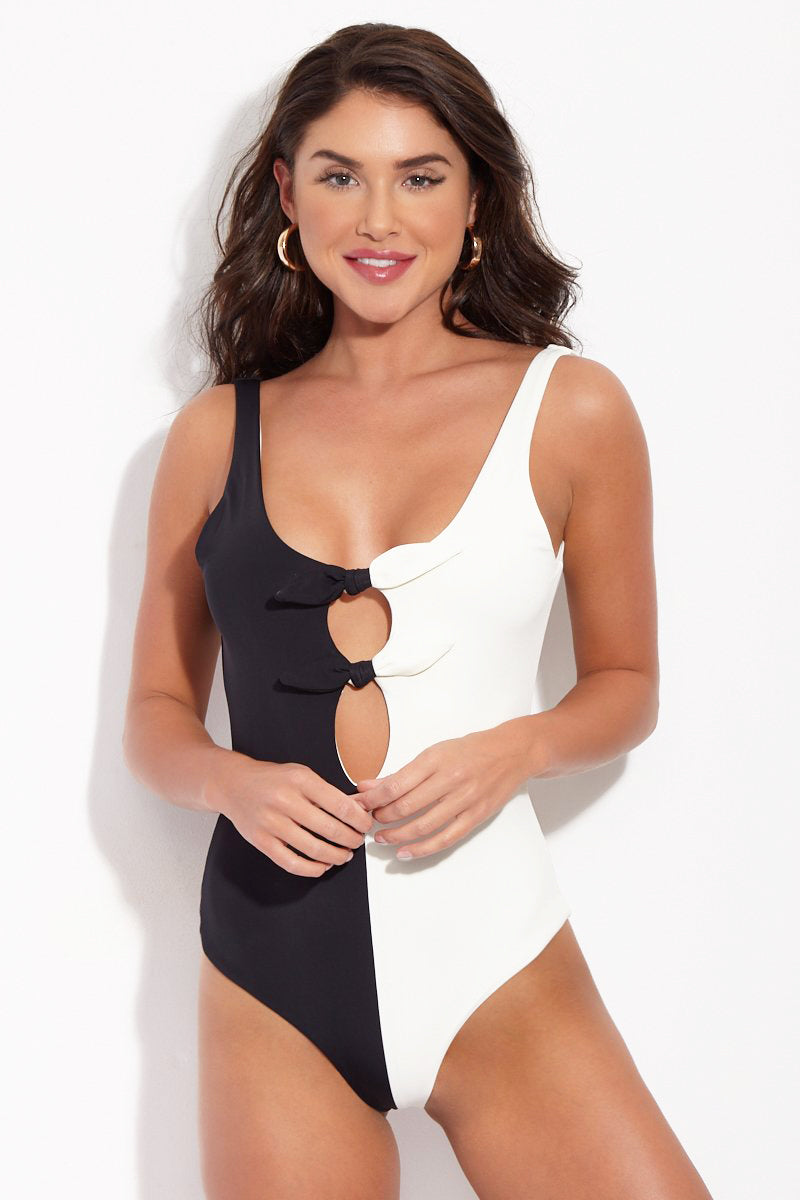 Maven One Piece - Black Cream