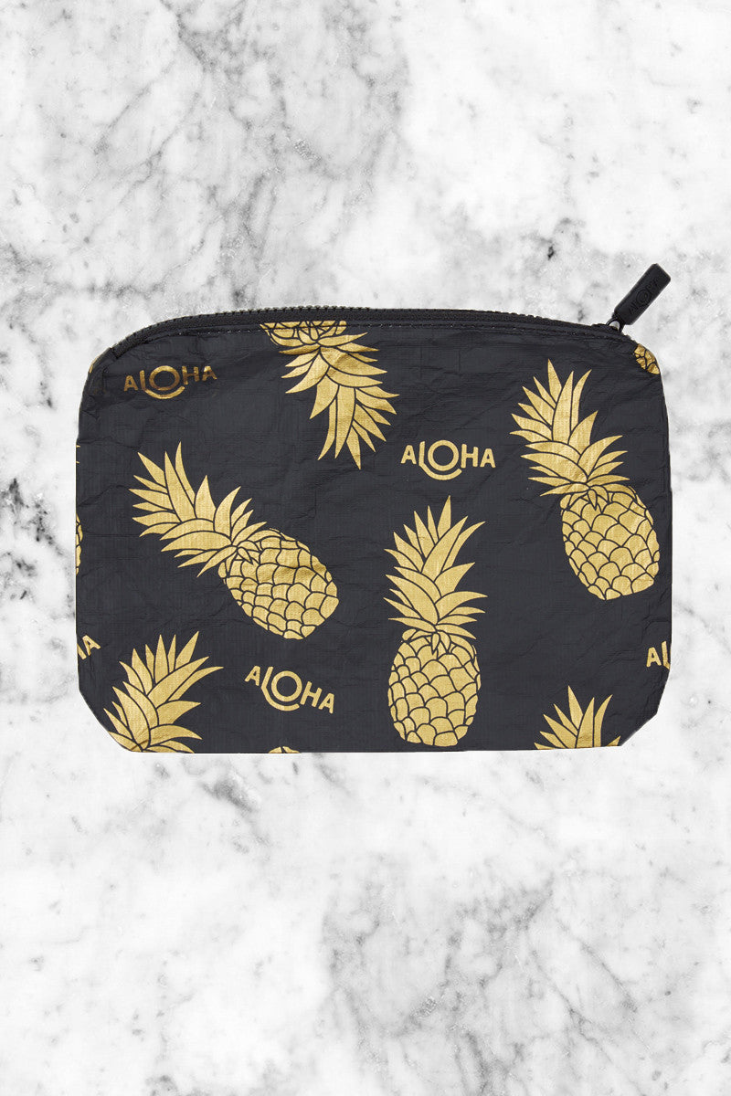 ALOHA COLLECTION Pineapple Fields Tote | Gold Pineapple Print|
