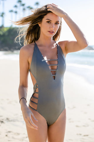 IPANEMA Reversible Strappy One Piece One Piece | Grey Print/Solid Grey|