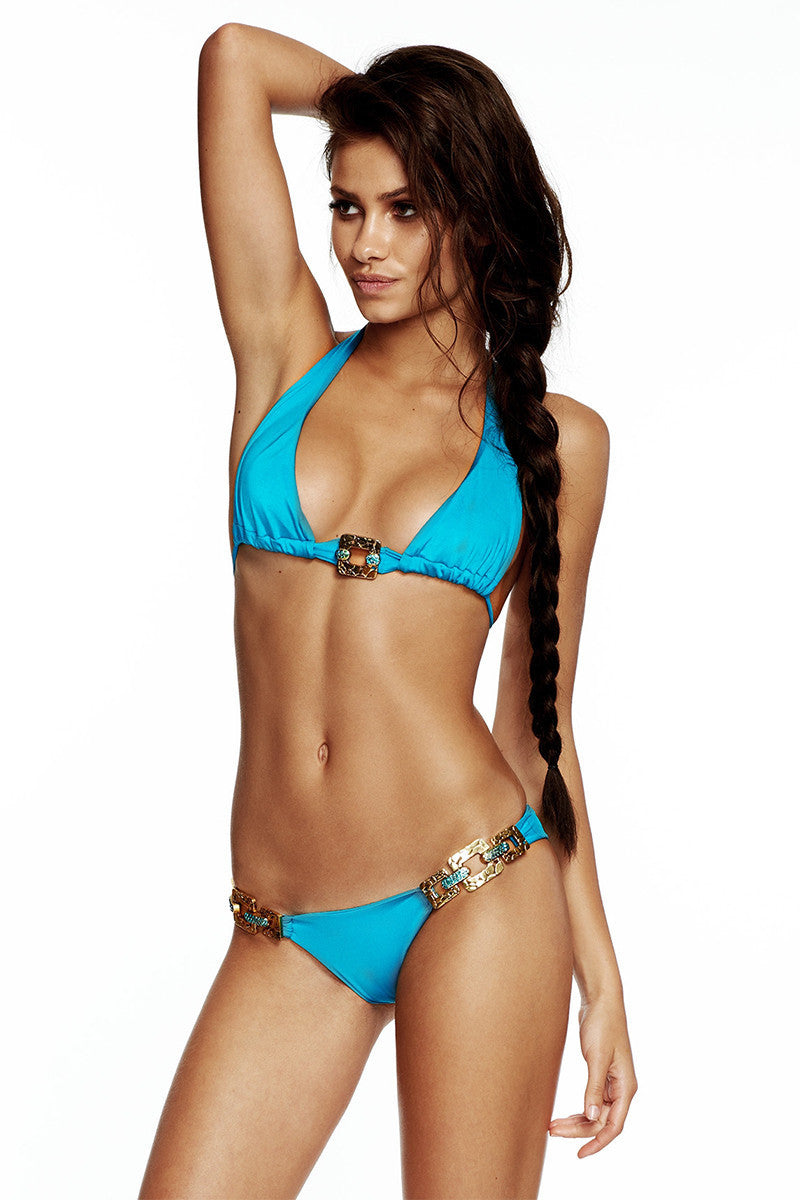 BEACH BUNNY Triple Crown Top Bikini Top | Capri Blue|irinashayk