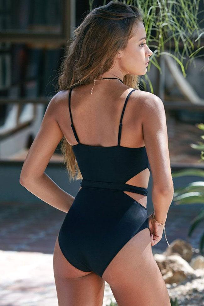 One Piece Solid Cutout Design Underwire Swimsuit SO275