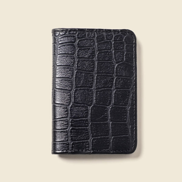 compact bifold wallet for men