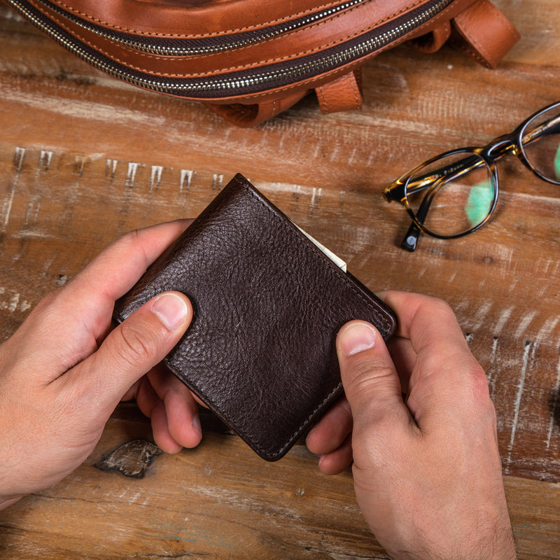 Leather wallets for men with many pockets