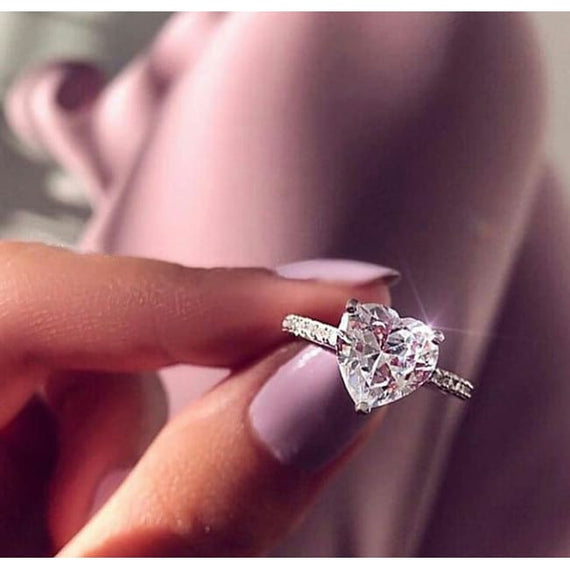 Womens Zircon Engagement Rings Fashion Crystal Heart Shaped Wedding
