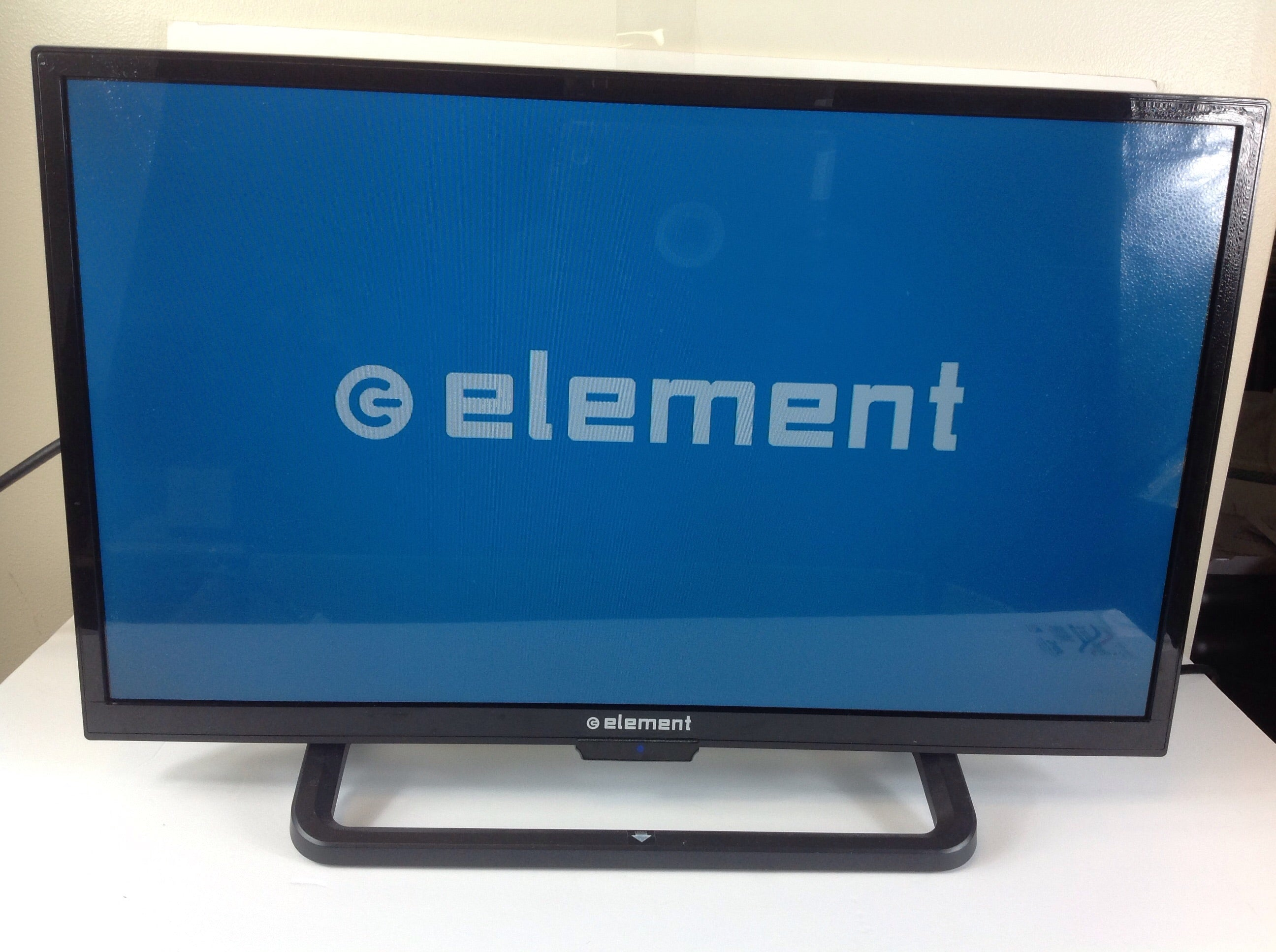 "Element 24"" Class HD (720) LED TV (ELEFW248)"
