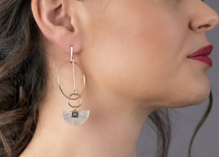 Geometric Delicate Tassel Drop Earrings - Ivory