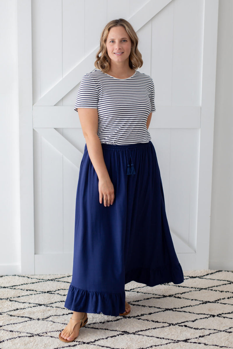 chloe maxi skirt in navy