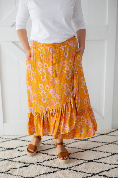 mustard skirt with pockets